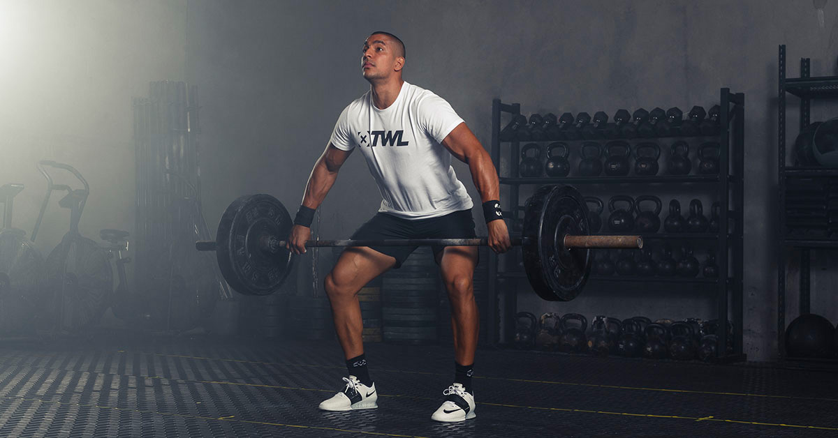 athlete performing the snatch