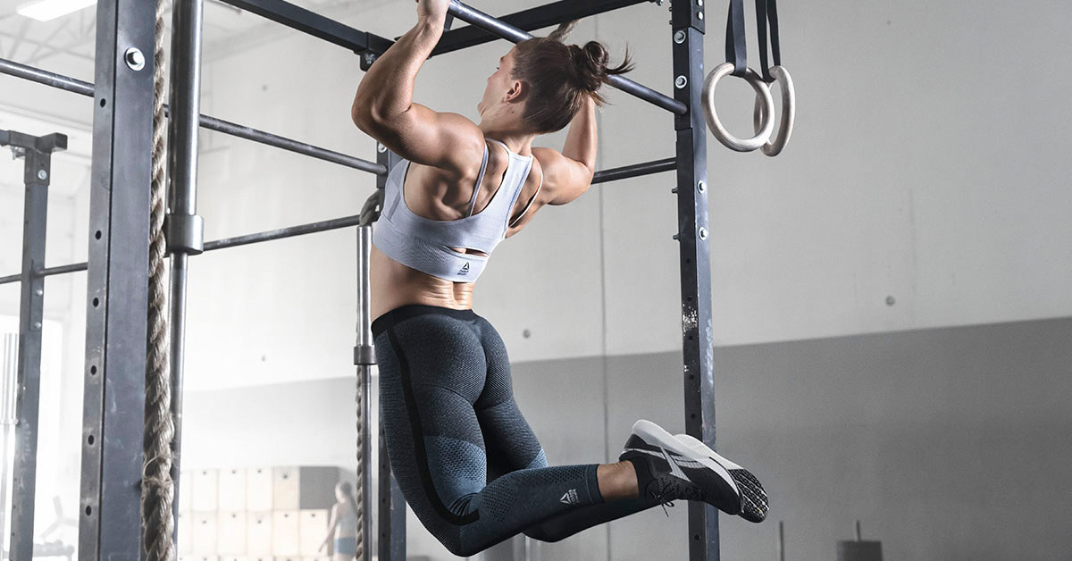 athlete doing butterfly pull-ups