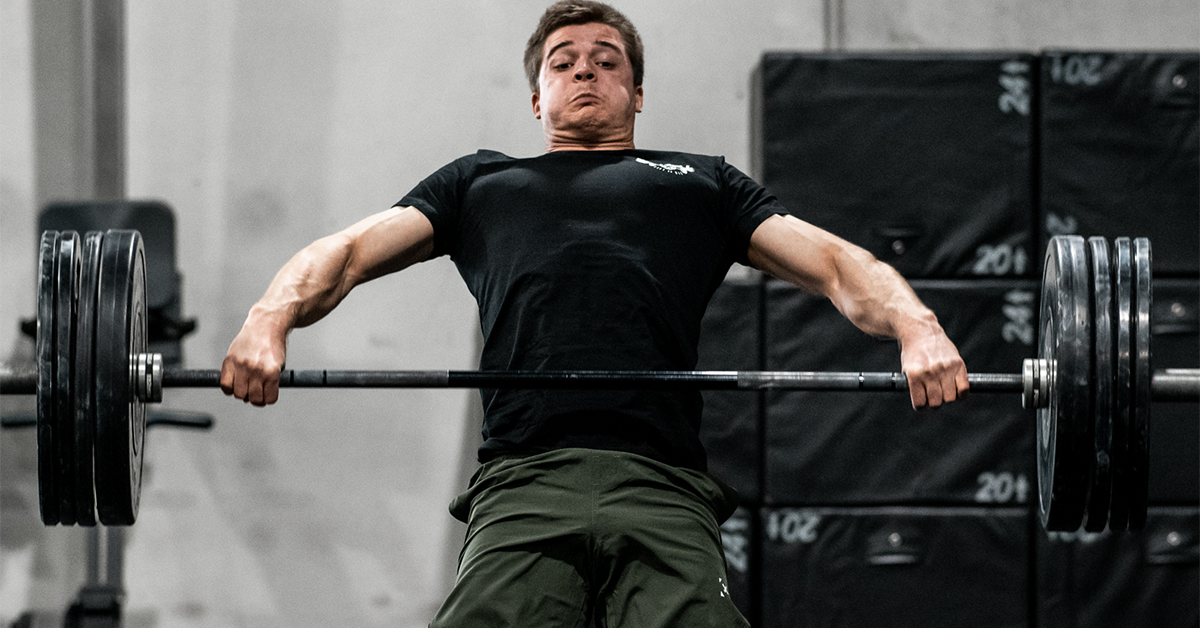 male athlete doing snatch