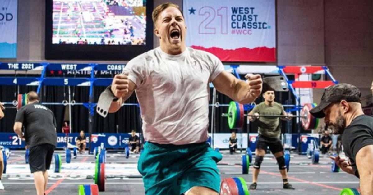 Noah Ohlsen competing